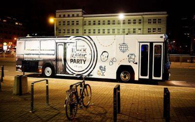 AliExpress funduje Andrzejki studentom. Party Busy iWróżbita Maciej